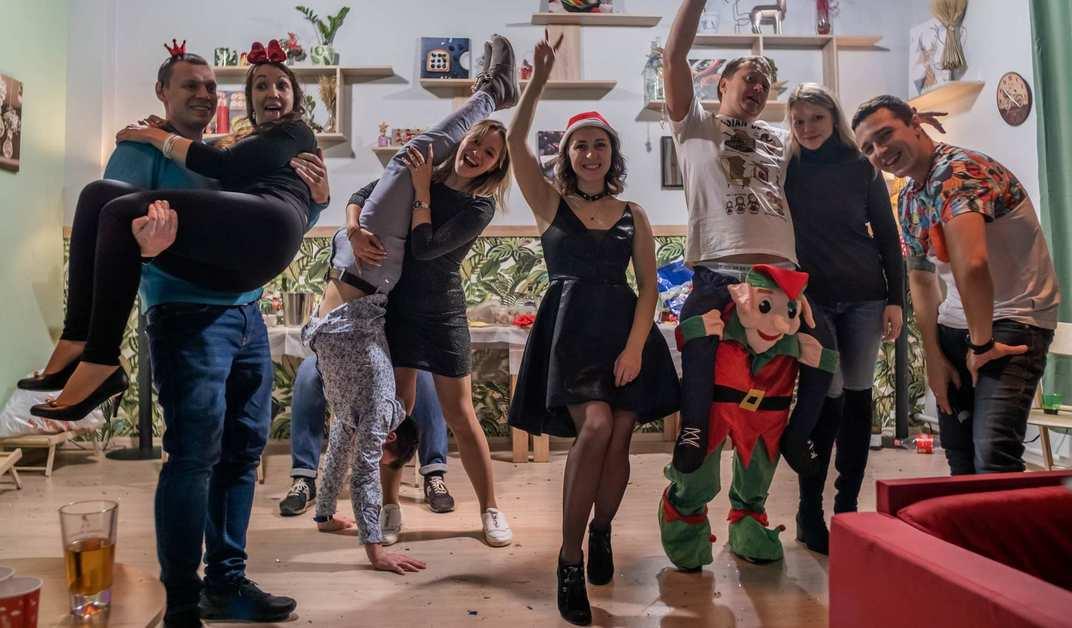 Парню Повезло Попасть На Праздничную Вечеринку